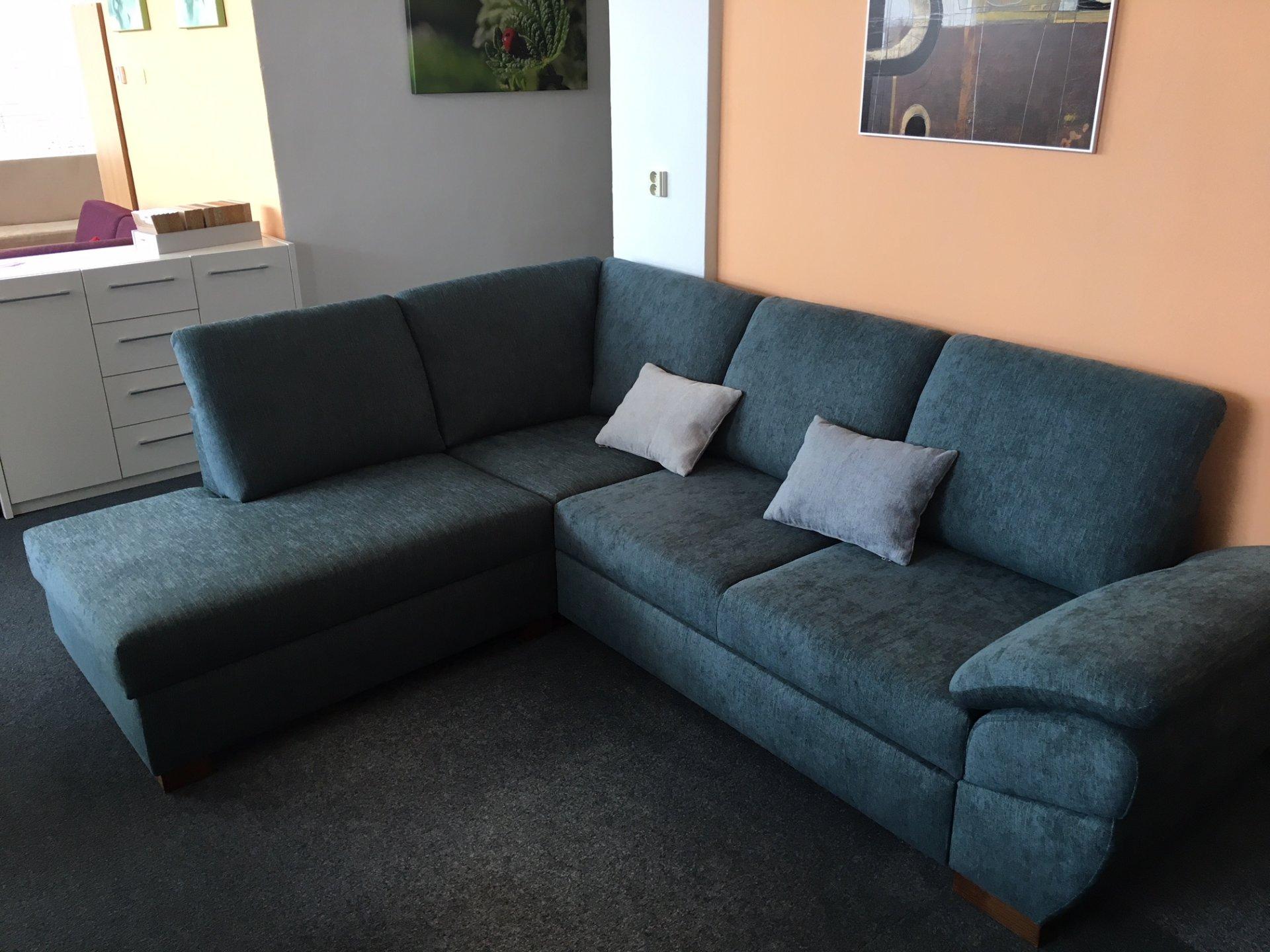 Moderní pohodlná sedací souprava